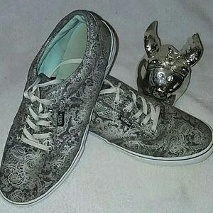 Vans sz8 Wmsz8 gray w/ silver paisley lace design